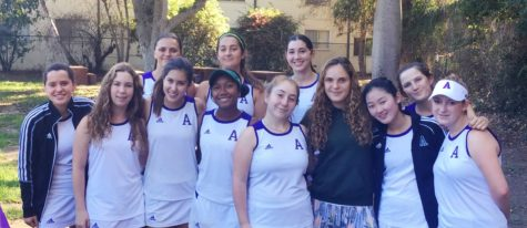 Juniors Mari Goldberg, Sara Rabinowitz win league tennis championships, break school record