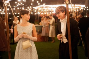 "Felicity Jones as Jane Wilde and Eddie Redmayne as Stephen Hawking in ""The Theory of Everything"".  Photographer: Liam Daniel, Focus Features"