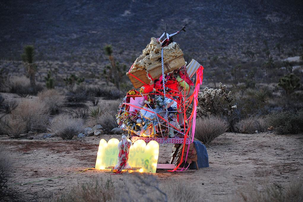 Silver%27s+photo+of+a+sculpture+she+made+by+hand+at+Joshua+Tree.+Photographer%3A+Emily+Silver.