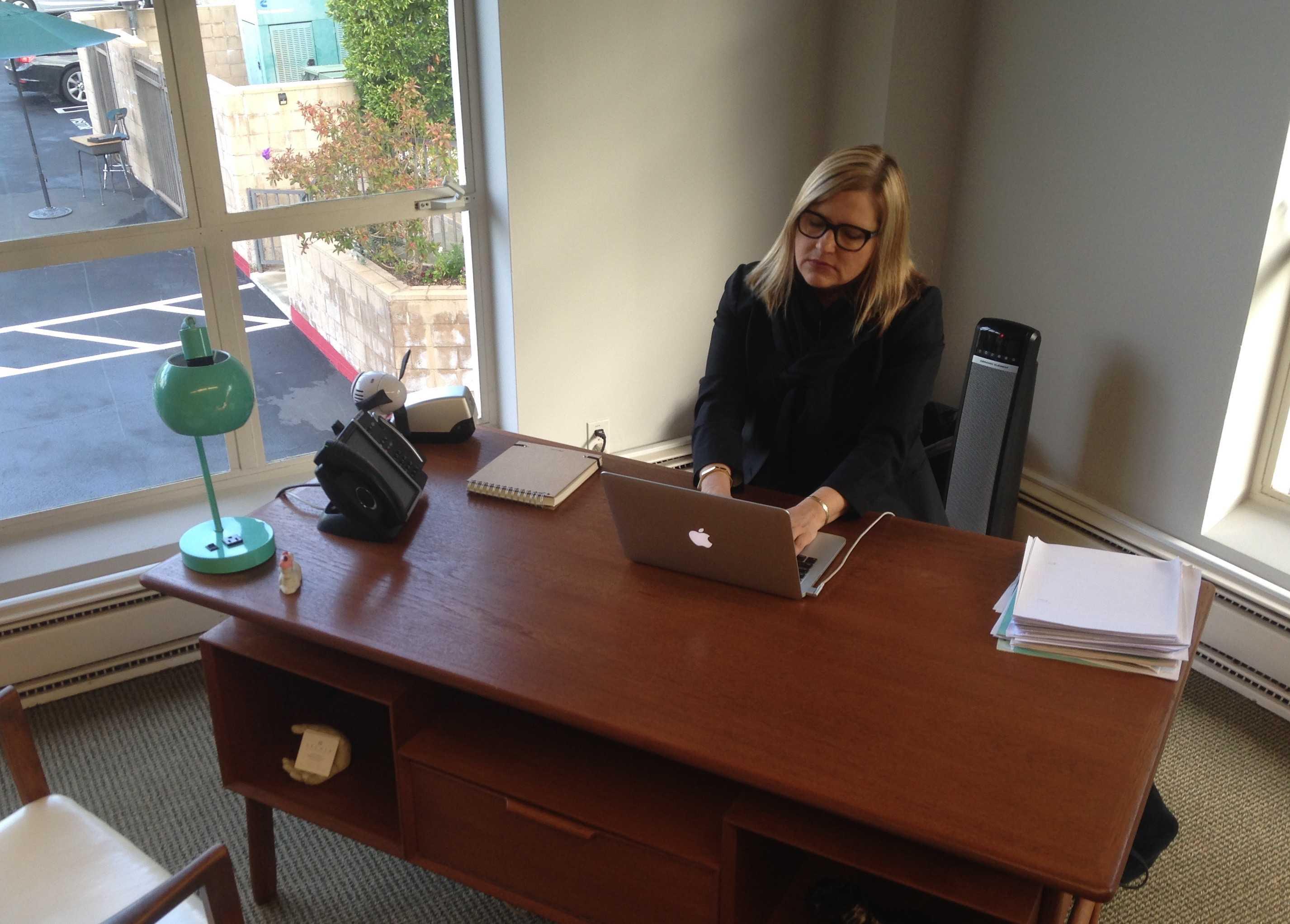 Karen Pavliscak reads resumes.