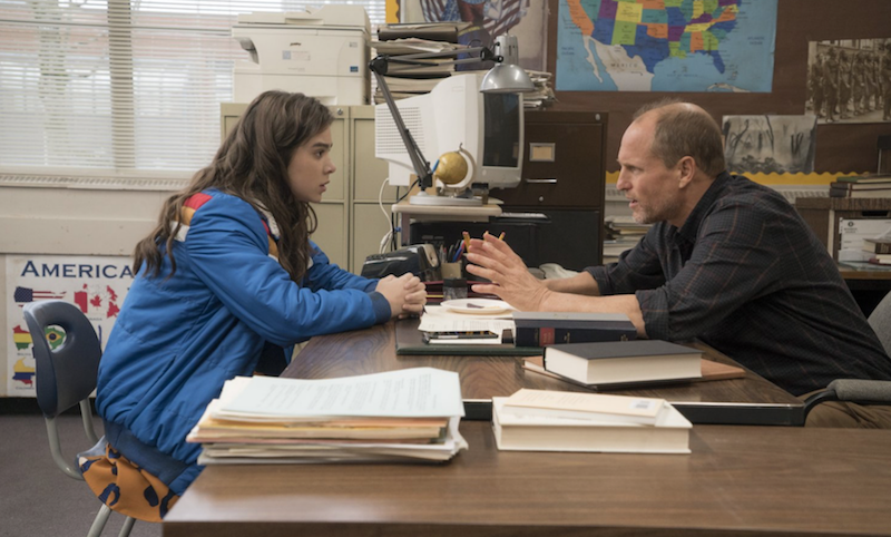 A+still+of+Hailee+Steinfeld+and+Woody+Harrelson+in+%27The+Edge+of+Seventeen.%27+Harrelson+portrays+Steinfeld%27s+sarcastic+yet+caring+history+teacher.+%0AImage+source%3A+edgeof17.movie