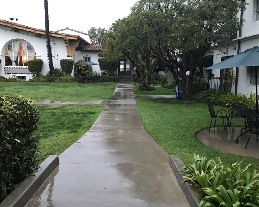 The+walkway+in+the+Archer+courtyard+is+soaked+with+rain.+This+week%2C+Los+Angeles+experienced+rain+multiple+times%2C+which+is+highly+unusual.+