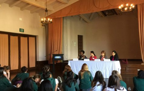Freshmen attend panel discussion on religion