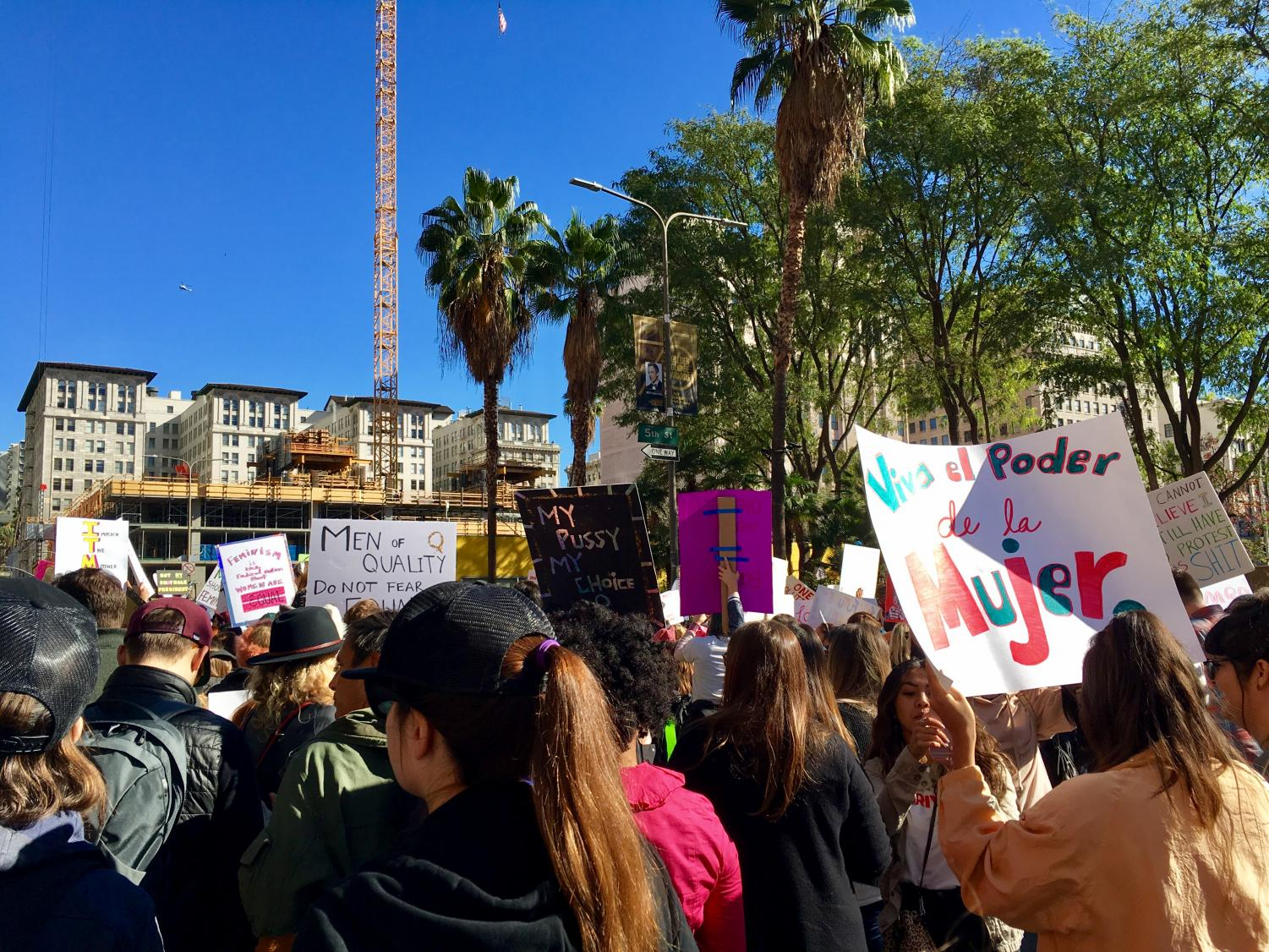 Los+Angeles+citizens+took+over+the+streets+of+Downtown+LA+for+the+Women%27s+March.+Around+500%2C000+people+participated.+