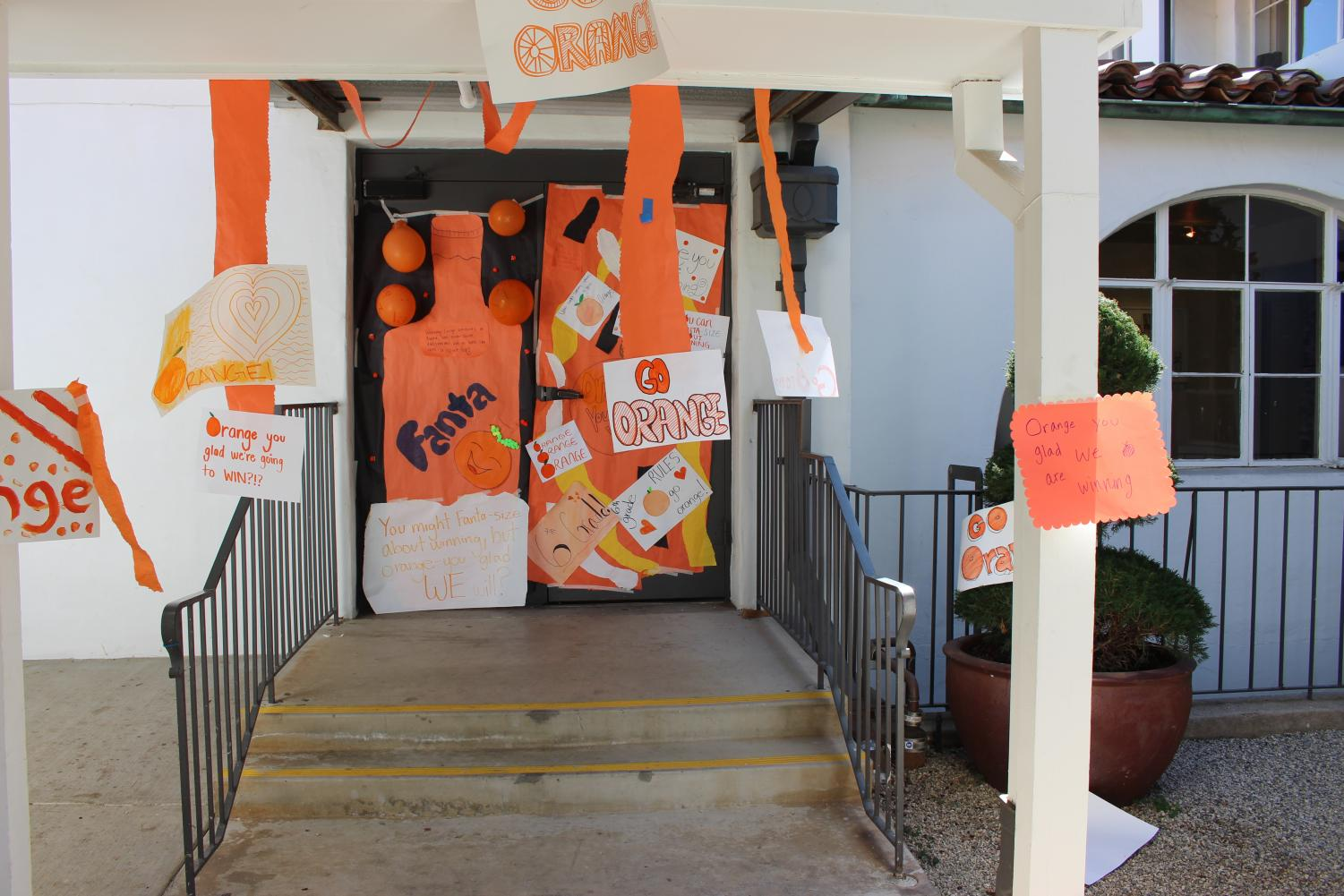 The+sixth+graders+decorated+their+door+with+orange.+They+are+currently+in+last+place+in+spirit+points+with+27+points+overall.+