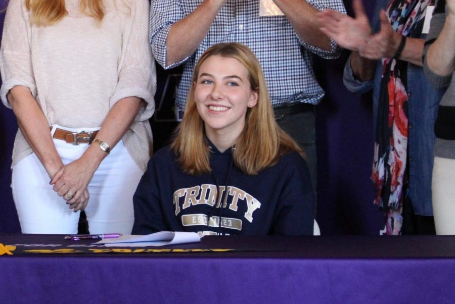 Locke+Luhnow+%E2%80%9818+smiles+after+signing+her+National+Letter+of+Intent.+Luhnow+is+Archer%E2%80%98s+second+ever+volleyball+recruit.