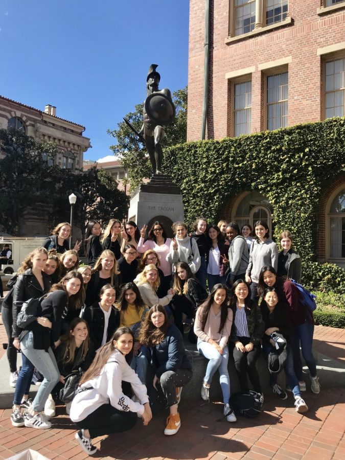 Juniors+pose+in+front+of+%22Tommy+Trojan%2C%22+a+statue+at+USC.+On+the+same+day%2C+the+juniors+also+visited+LMU.