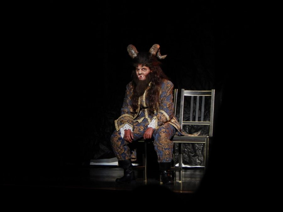 Willow+Stein+%2722+performs+as+Beast+in+the+middle+school+production+of+%22Beauty+and+the+Beast.%22+The+students+performed+three+shows+at+American+Jewish+University.+