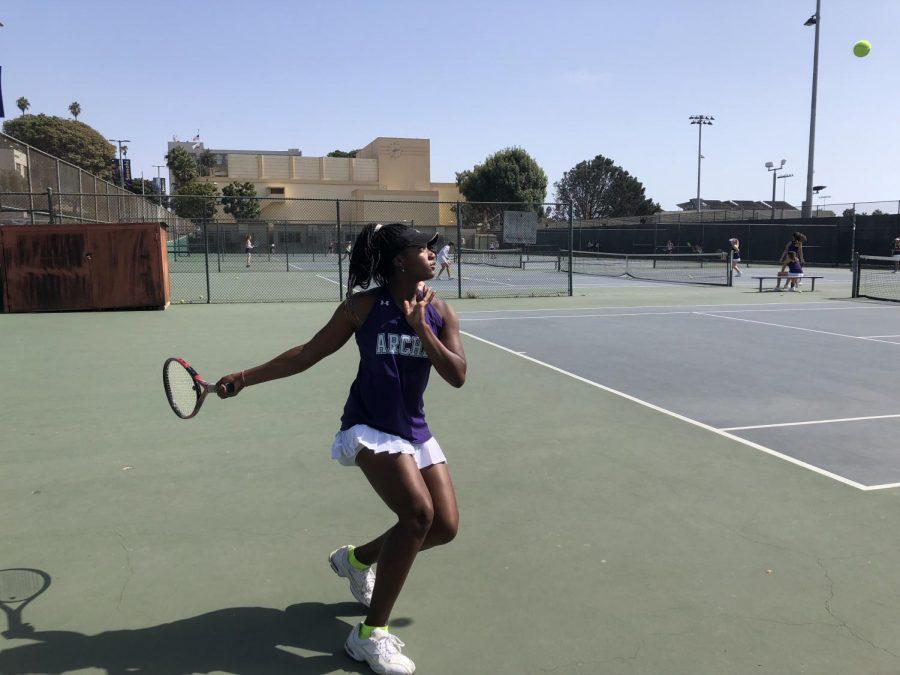 Q&A with varsity tennis captains: Zoe Woolf '19, Lexie Ben-Meir '21