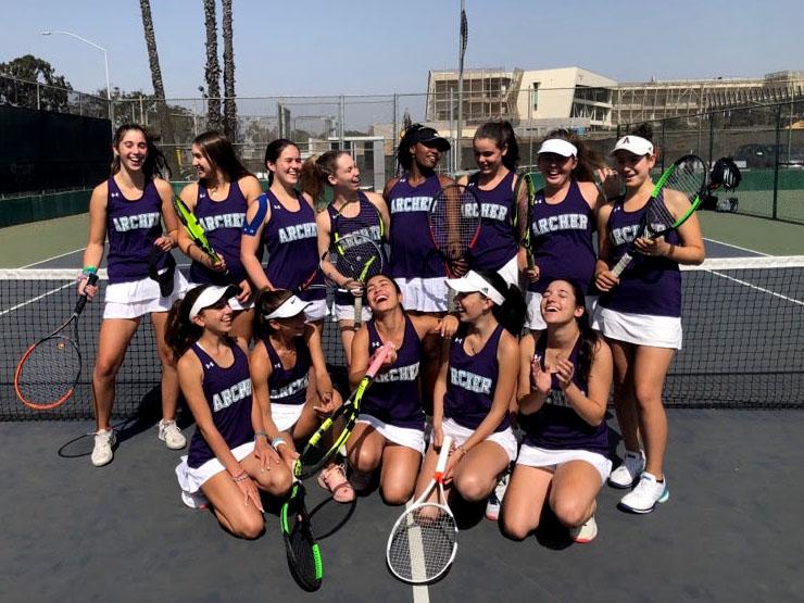 The+varsity+tennis+team+poses+after+a+game+at+Santa+Monica+High+School+%28SAMO%29.++The+team+has+won+all+of+their+league+matches+so+far.++
