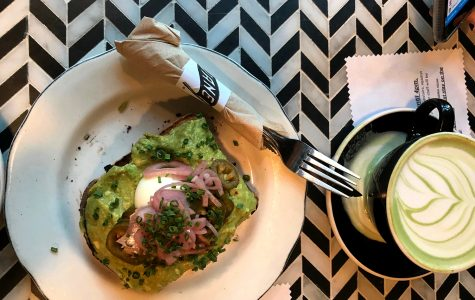 Avocado on toast and chai green tea at Cafe Gratitude. When spending time with friends in Los Angeles, we realize that the theme of our hangouts rely on the type of LA food hotspot we are eating at.