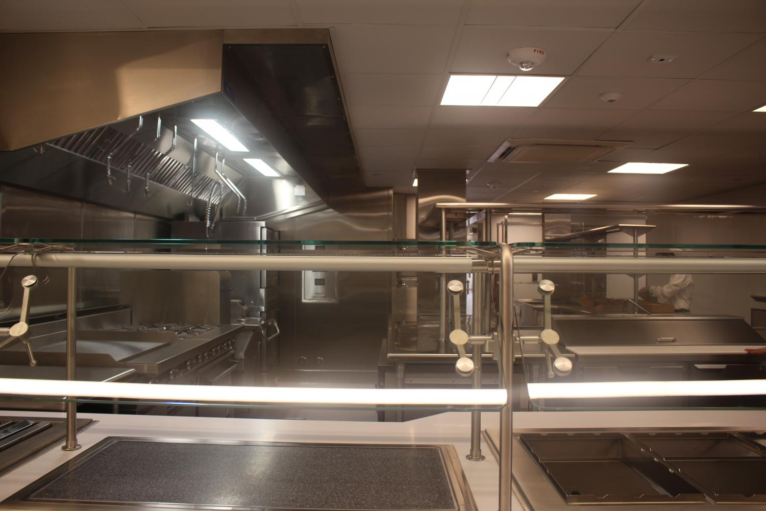 The+kitchen+and+servery+are+both+adjacent+to+the+Dining+Hall.+Students+will+be+able+to+purchase+both+hot+meals+and+snacks+in+the+new+facility.+