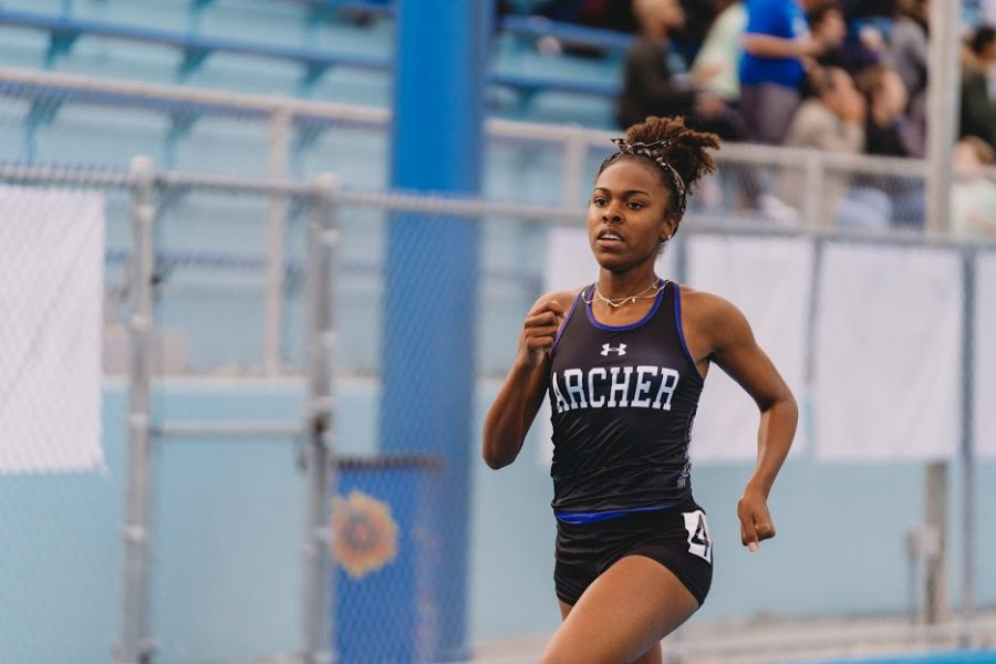 Varsity+track+and+field+athlete+junior+Nia+Mosby+competes+at+the+Liberty+League+Finals+on+April+16+at+Palisades+Charter+High+School.+The+CIF+State+Championships+will+last+two+days%3A+May+24+to+May+25.+