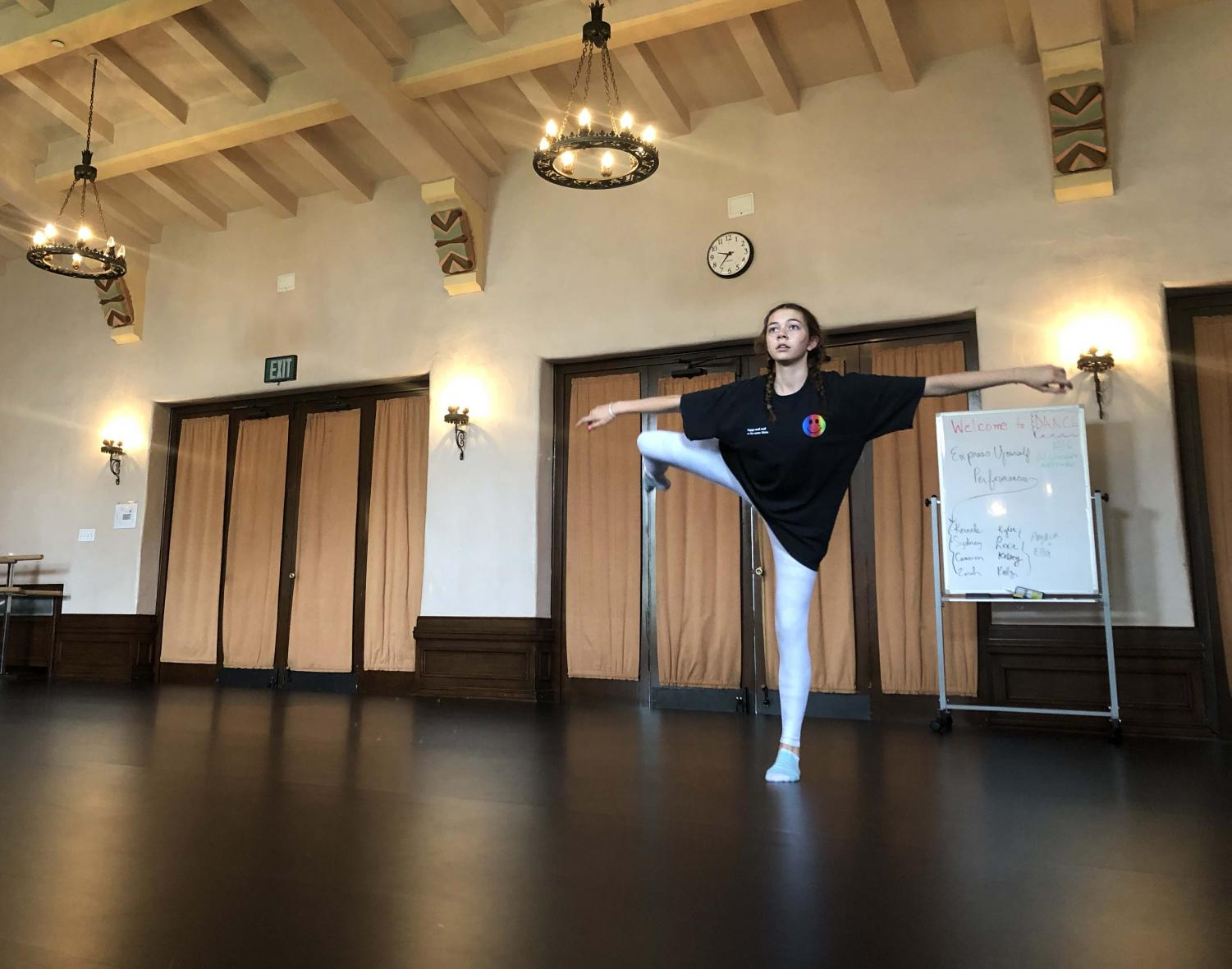 Executive Board Member Kelsey Thompson '20 rehearses for this year's Night of Dance,