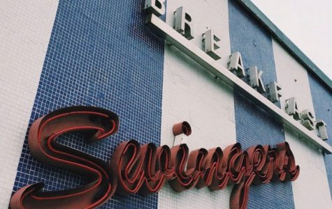 Columnists Grace Wilson and Lauren Evans-Katz are nostalgic for Swingers, a Santa Monica late-night diner that recently closed.