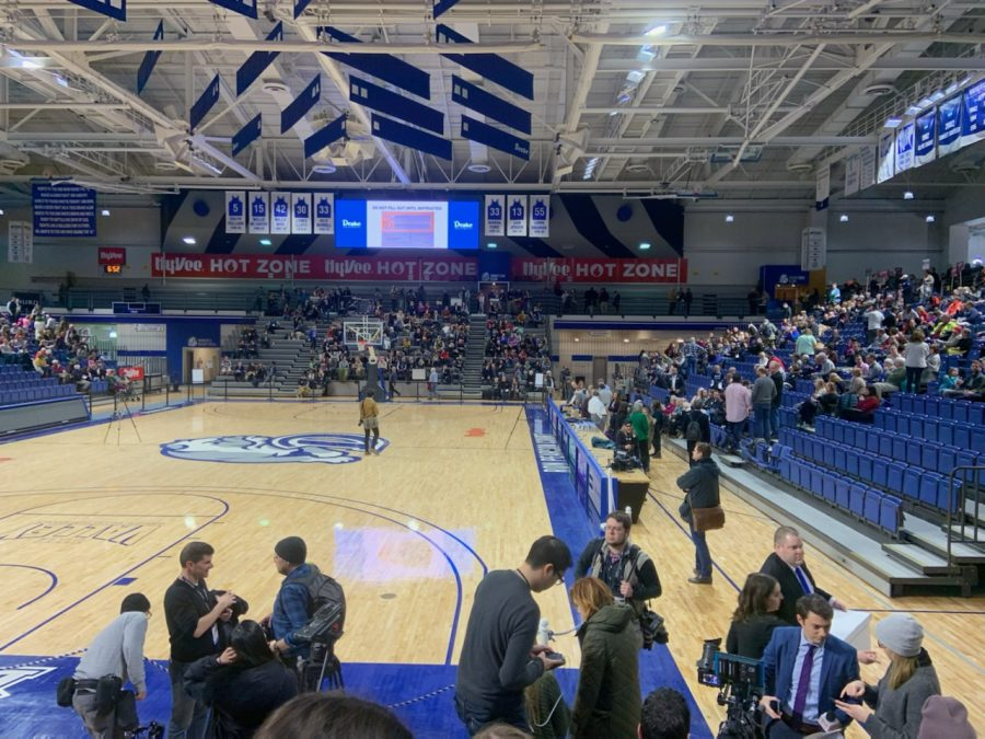 Drake University's Knapp Center served as Des Moines, Iowa's precinct. Starting at 8 p.m., Des Moines residents began caucusing for their preferred Democratic candidates.