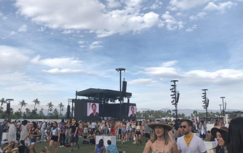 The crowd of 2018 Coachella enjoys day two of the festival.