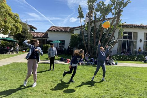 Students played in the courtyard with a bouncy beach ball while the LA vibe themed activities took place. In order to get spirit points students had to guess the ingredients in a Kreation juice drink.