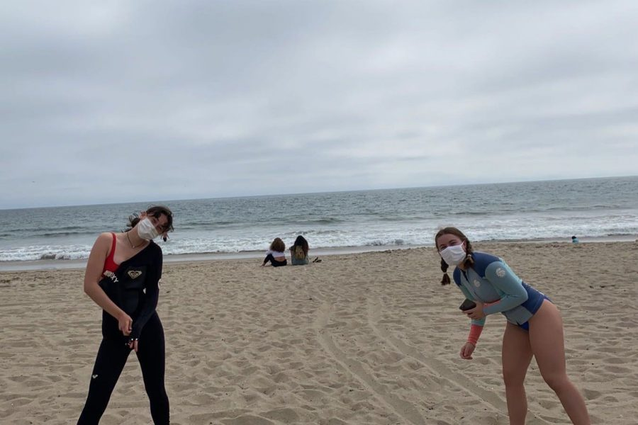 Seniors+Gracey+Wyles+and+Norah+Adler+socially+distance+while+spending+Labor+Day+at+the+beach+in+Santa+Monica.+Los+Angeles+County+reached+a+record+high+temperature+of+121+degrees+over+Labor+Day+weekend.+
